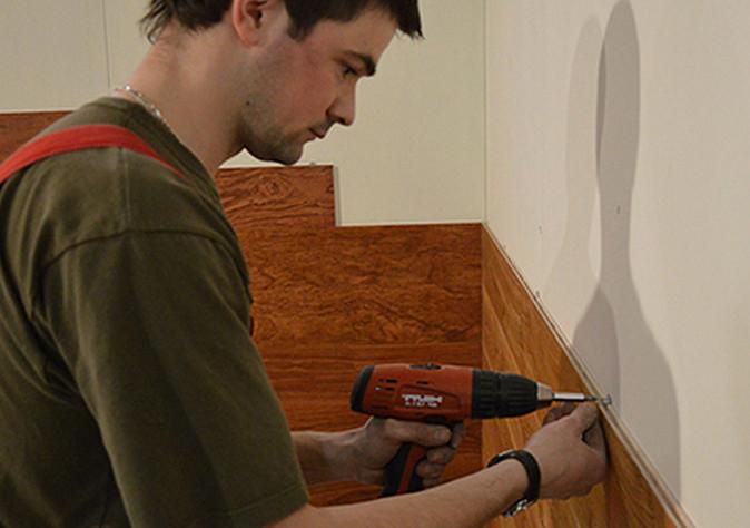 Установка стеновой панели для кухни своими руками