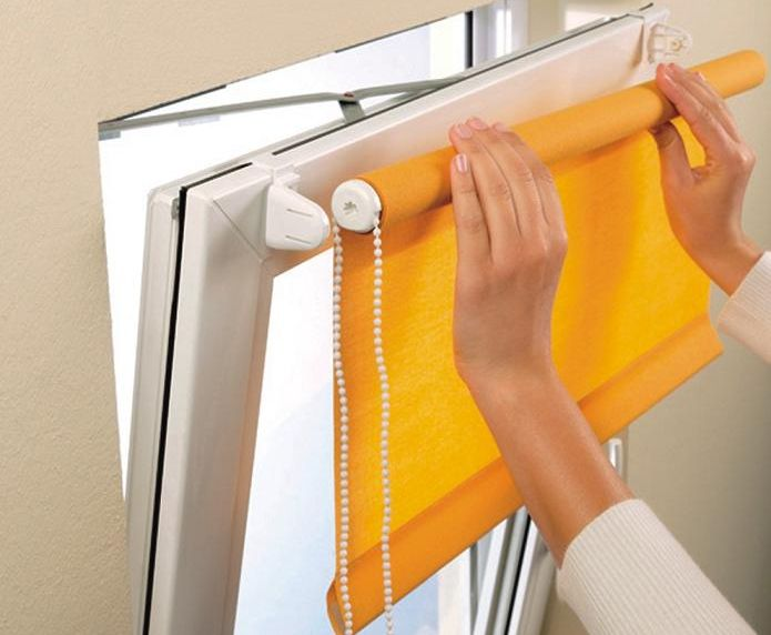 Рулонные миникассетные шторы для кухни