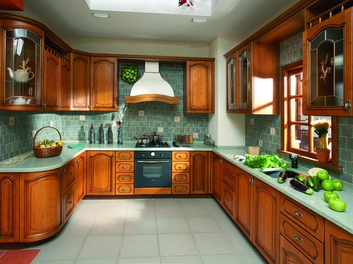 П - образная кухня в классическом стиле