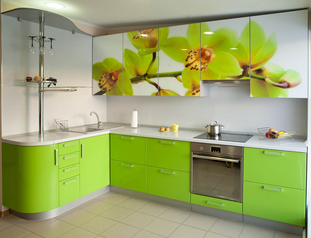 Дизайн кухни с зеленым гарнитуром фото