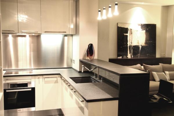 Мебель для чёрно-белой кухни