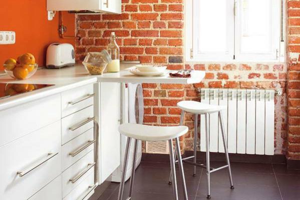 Складная барная стойка в маленькой кухне