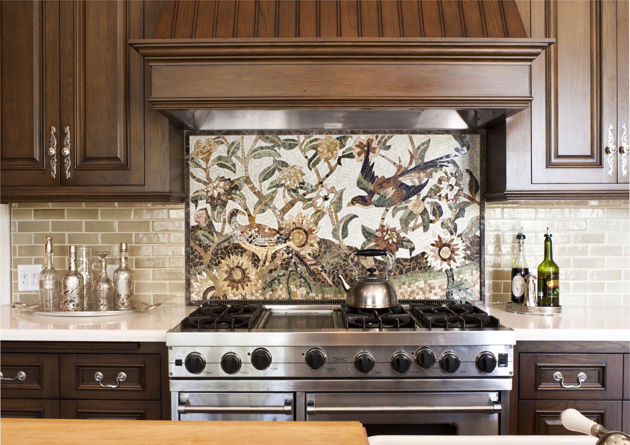 Мозаичное пано над плитой