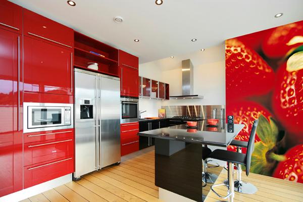 Дизайн кухни-столовой в ярких тонах