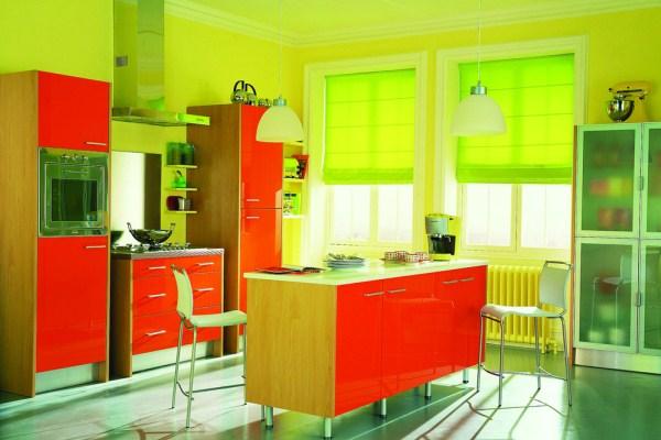 Современная кухня в яркой цветовой гамме