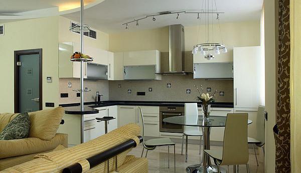 Кухня Олива с металлическими изделиями в дизайне