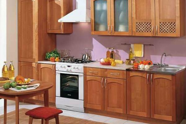 Кухонные напольные шкафы установленные в ряд