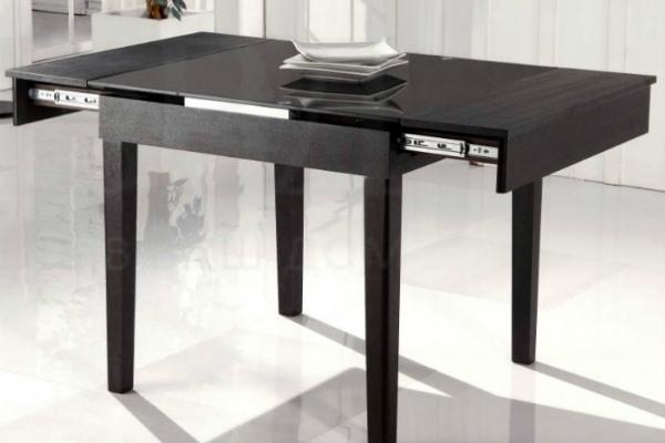 Раздвижной стол-трансформер чёрного цвета