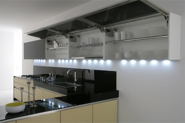 Навесные шкафы с подсветкой