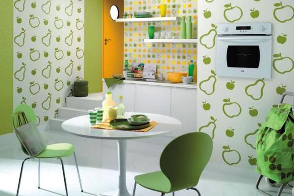Фруктовое оформление стен и рабочей зоны на кухне