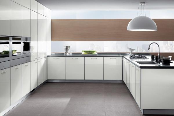 Стеклянная стеновая панель на кухне Hi-Tech