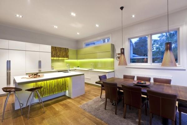 Комбинированная подсветка кухни