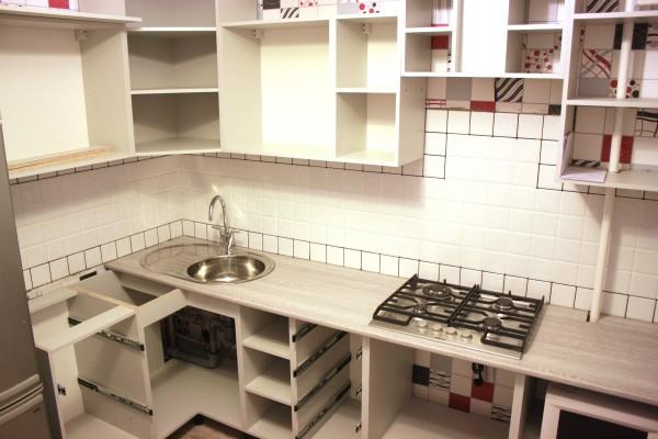 Процесс установки кухонного гарнитура
