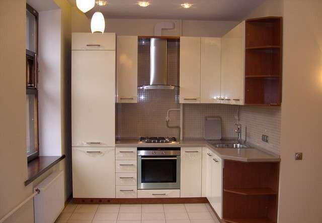 Шкаф-пенал в интерьере кухни