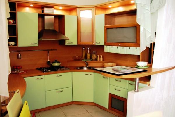Кухня с фасадами и фартуком из МДФ