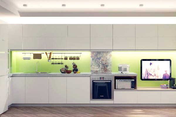 Стеклянный цветной фартук на белой кухне
