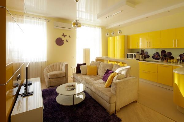 Насыщенный жёлтый цвет в интерьере кухни-гостиной