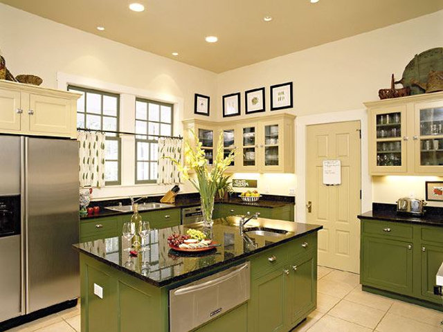 Кухня с точечными светильниками