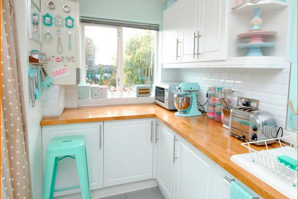 Дизайн светлой кухни 5 кв. м. без штор