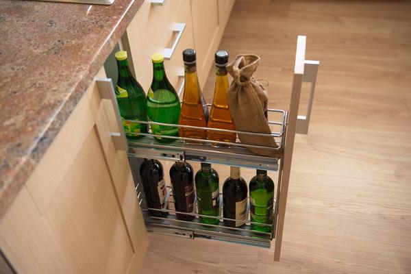 Хранение бутылок в бутылочнице