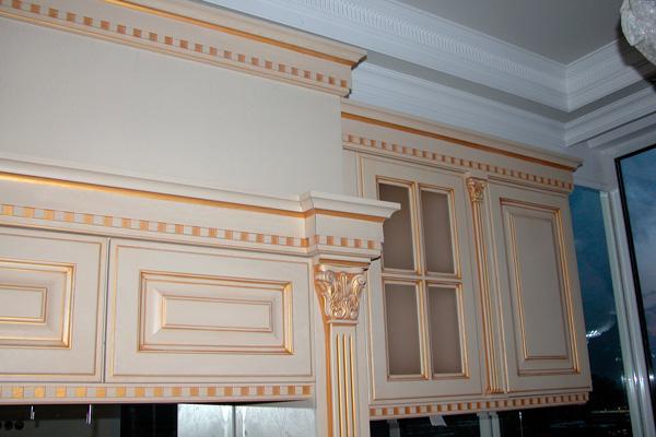 Декоративное оформление фасадов кухни классики