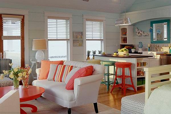 Сочетание цветных элементов при совмещении кухни с залом