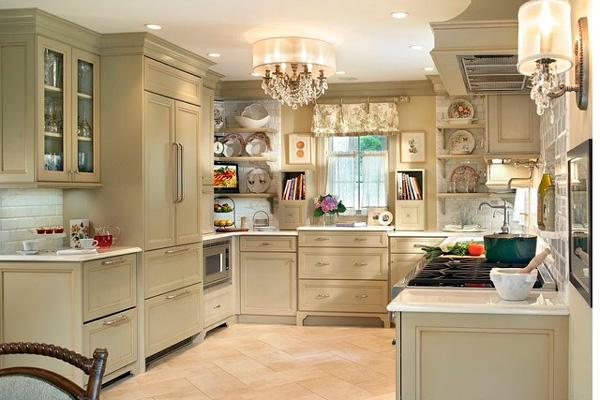 Светлая кухня в стиле Шебби шик