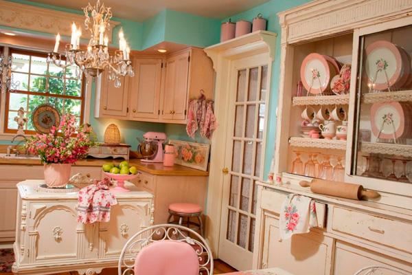 Сочетание цветов: нежно розового, бежевого и бирюзового