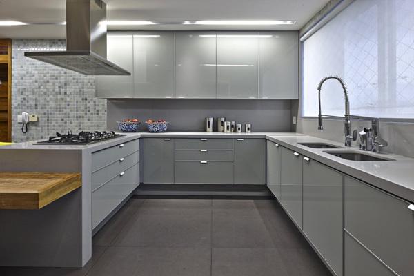 Современный дизайн кухни в серых тонах