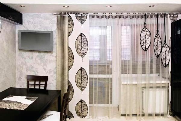 Стильные шторы на люверсах для кухни с балконом