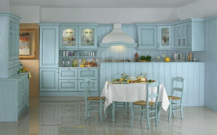 Кухня в стиле прованс, окрашенная в голубой цвет