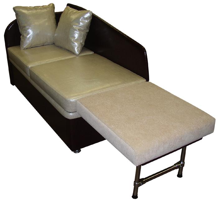 Маленький диван со спальным местом