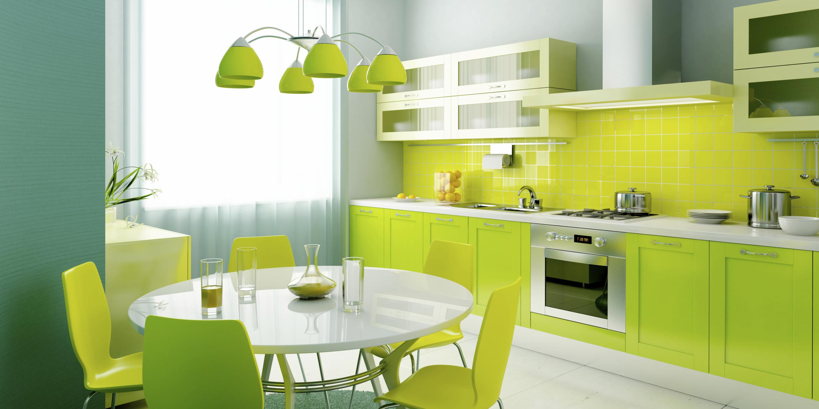 Стол и стулья в цвет и стиль кухни