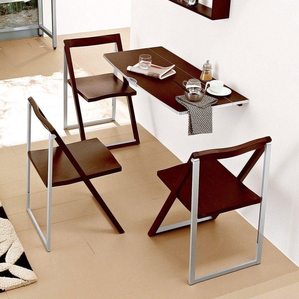 Складные стол и стулья для маленькой кухни